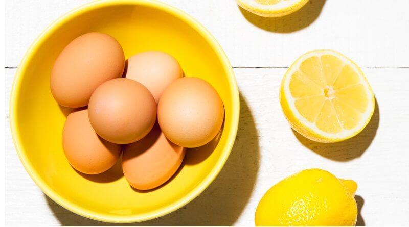 درمان پوست چرب با سفیده تخم مرغ و لیمو